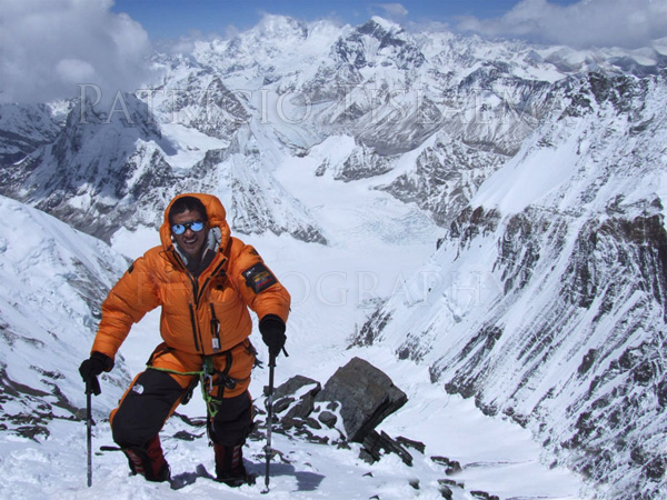 Patricio en el Everest a 8100m