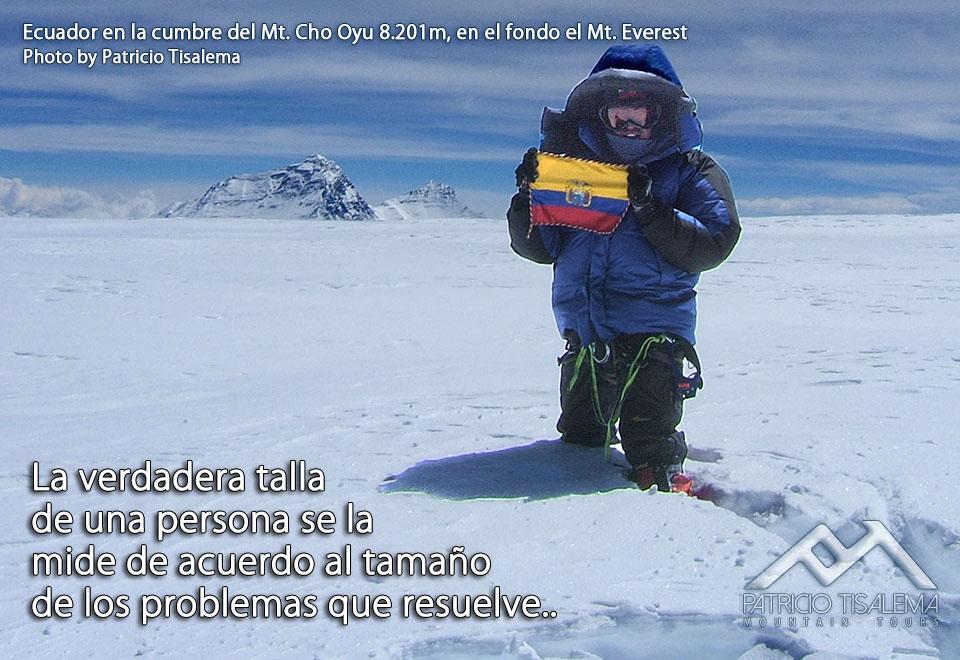 Patricio Tisalema en la cumbre del Cho Oyu 8201m - Himalaya